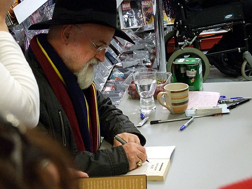 Terry Pratchett signing